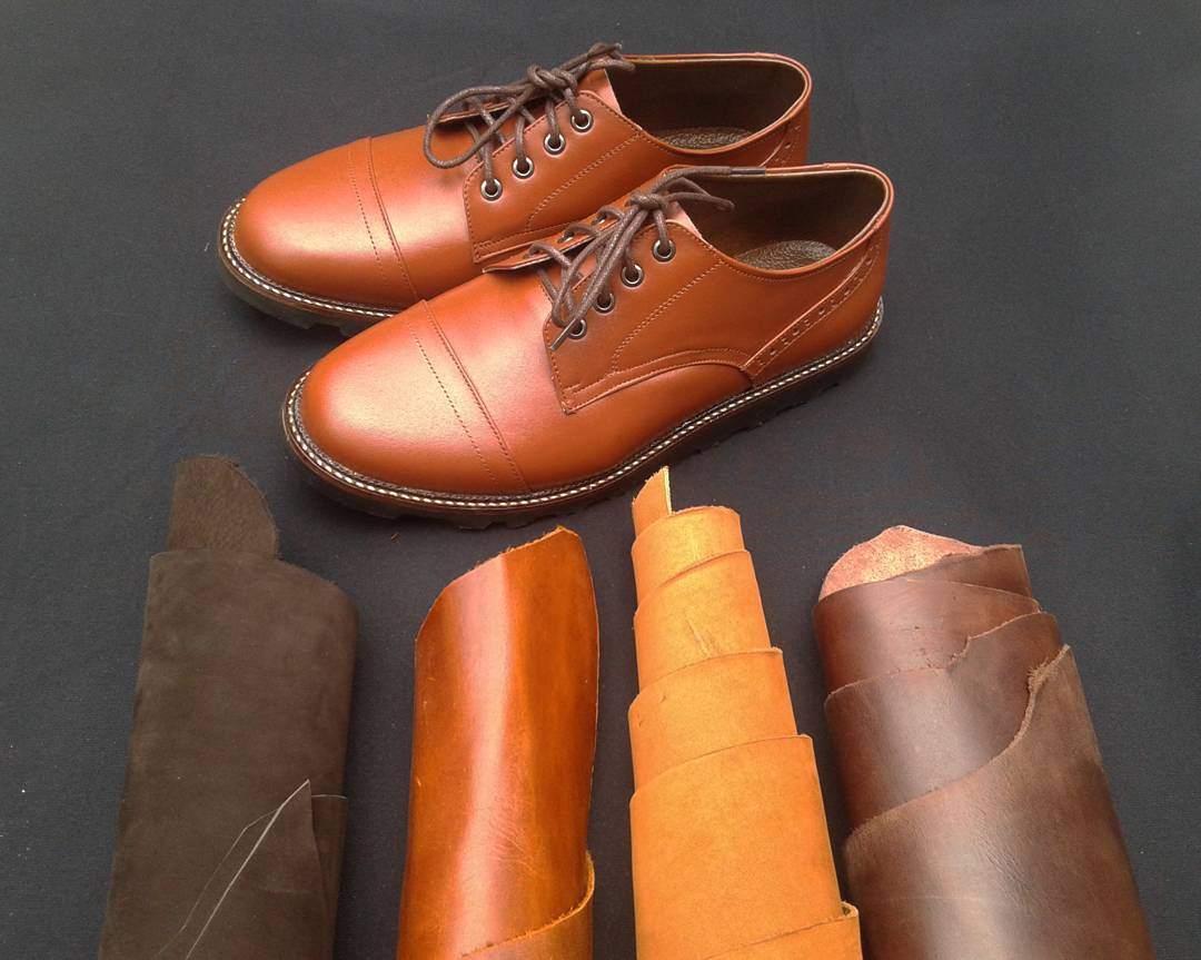Derby Low Solid Leather