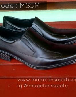Sepatu Pantofel Pria Warna Hitam kode MS5M