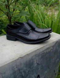 Sepatu Formal Hitam Simpel MS8M